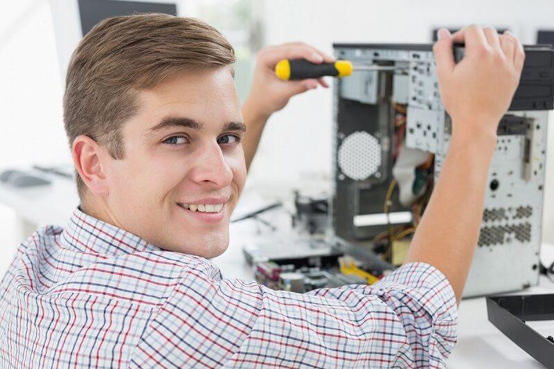 טכנאי מחשבים עמוד פנימי