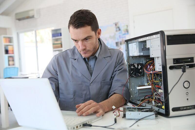 מעבדת מחשבים טכנאי