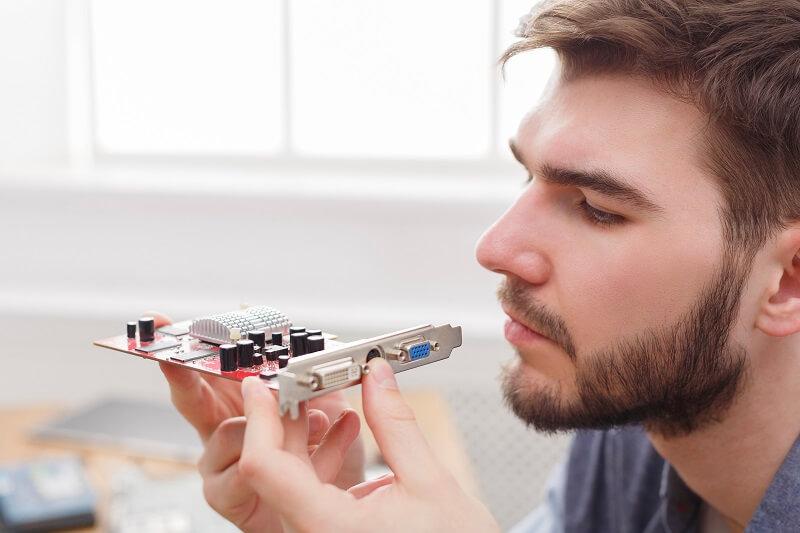 טכנאי מתקן מחשב